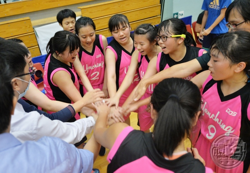 basketball_women_interschool_yc_czm20151106_22